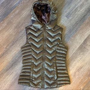 New Be by Blanc Nior hooded puffer vest
